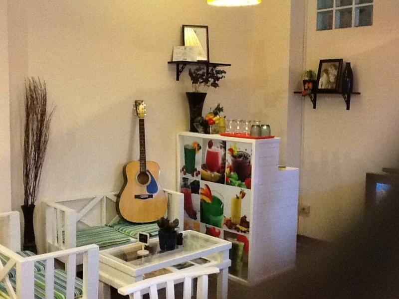 Relax with a cup of Vietnamese coffee in Tiffin Talks Cafe and play the guitar or read a book.