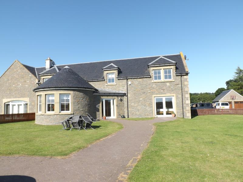 Luxuriously appointed but comfortable converted steading family holiday home
