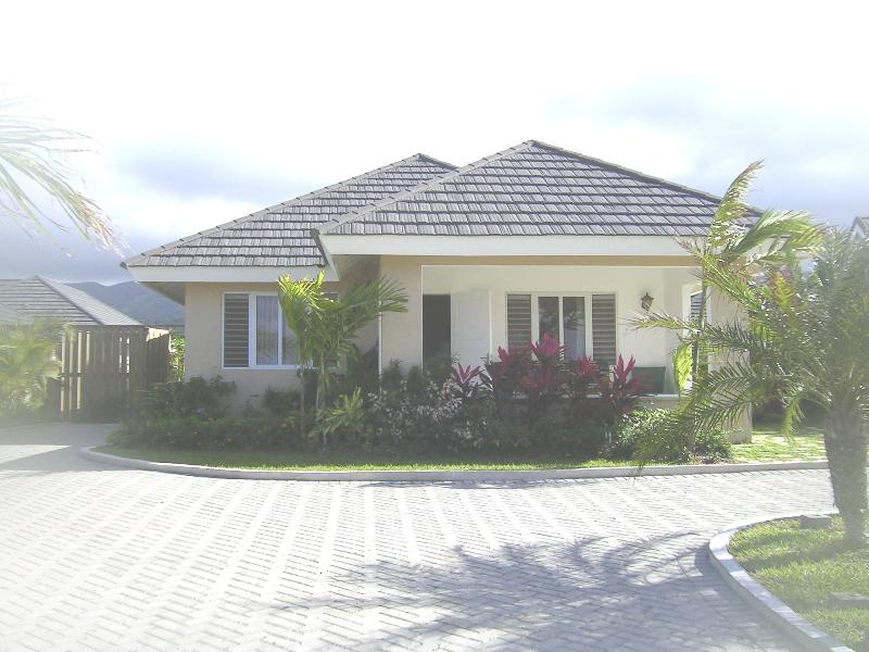 Casa Hibiscus in the beautiful captivating surroundings of St Ann