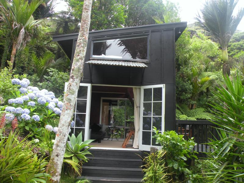 Your private sanctuary enter and relax Piha Eco Sanctuary