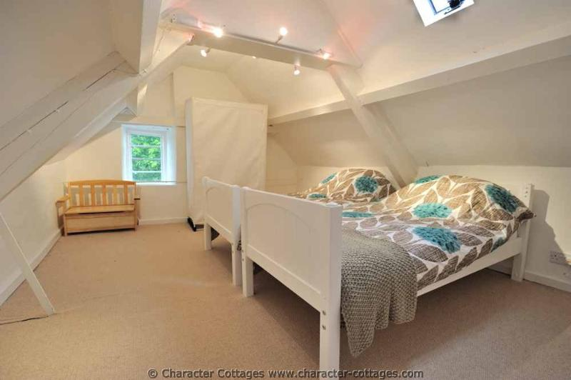 Vaulted twin room, ideal for kids!