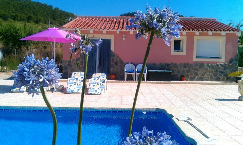 Welcome to Casita La Mimosa, your holiday home in Bullas