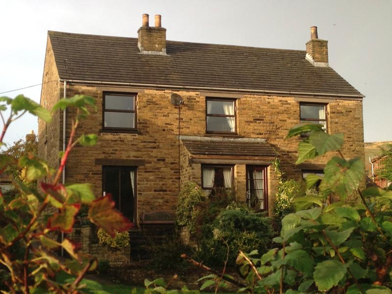 Wraycroft Cottages Reeth. Awarded four stars and 100% cleanliness by Quality Assurance