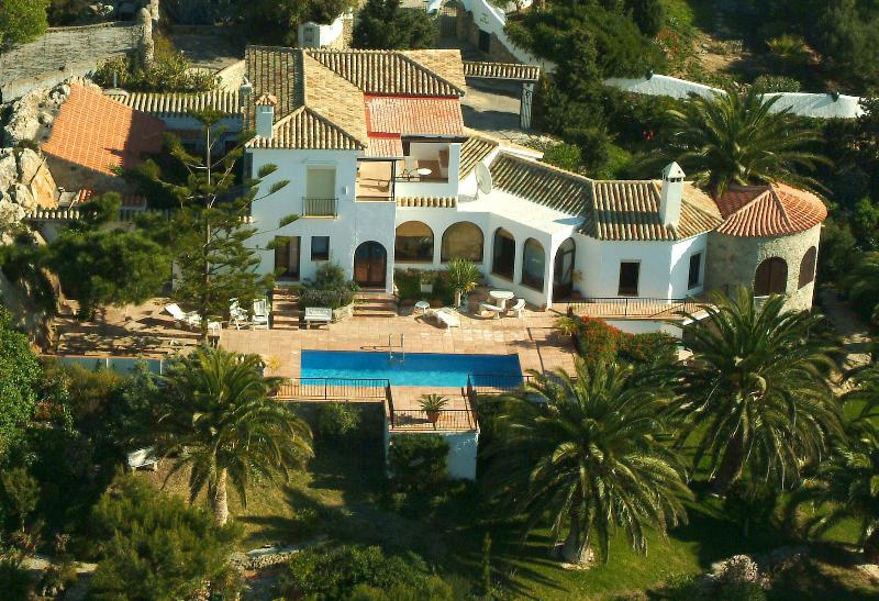 Villa Las Rocas, magnificent and private, overlooking unspoilt beaches
