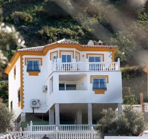 Villa Pasa Tiempo with wonderful views - the whole 2nd floor is your accommodation