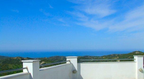 Super views to the Bay of Kyparissia and beyond