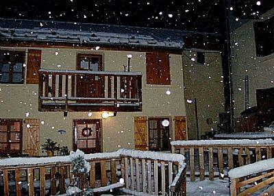 Les Hirondelles in snow, cosy and warm.