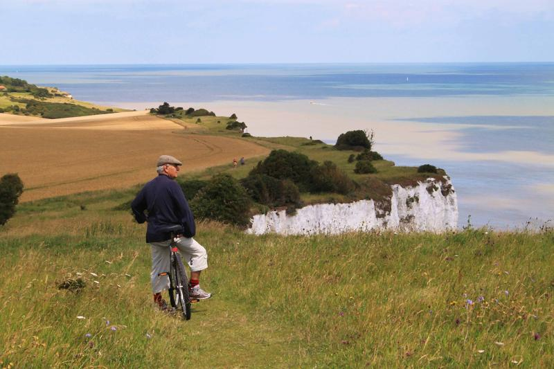 cycling along the white cliffs