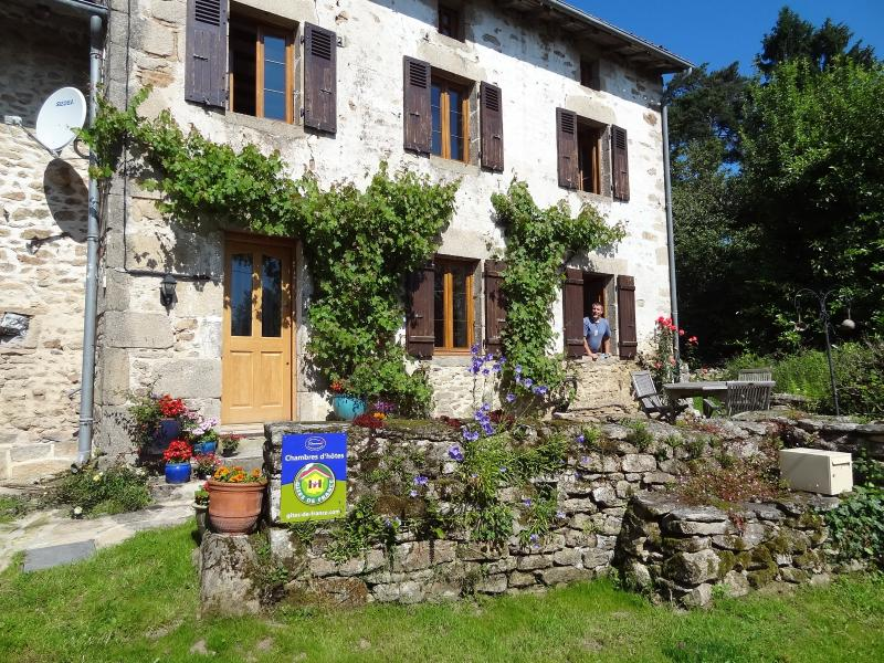 Les Grands Magneux Bed and Breakfast