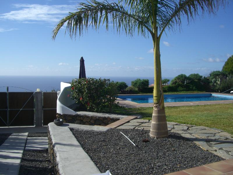 views from the house to the pool and ocean