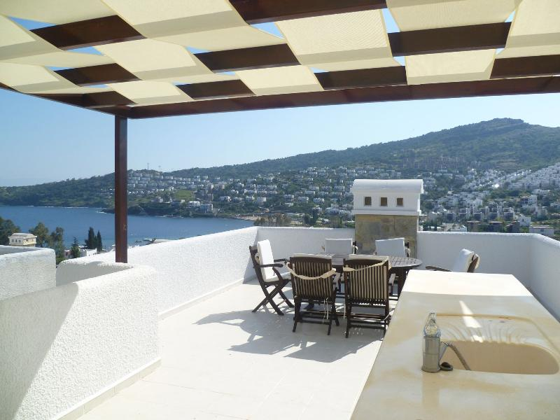 Fabulous roof terrace for dining/sun bathing, with sea views