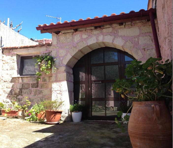 The  entrance '' in traditional house Kefala 1860''