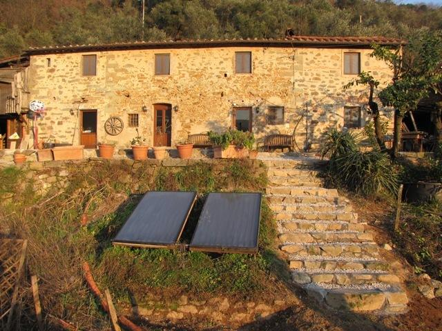 Casa Del Sole 'Eco Friendly' Farmhouse uses hot water from Solar panels in summer.