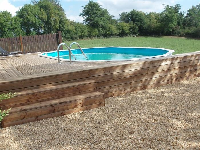 Lovely pool/decking/bbq area, fantastic views, totally private