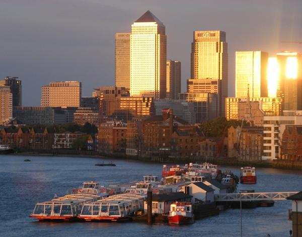 Superb views of the River Thames and Canary Wharf