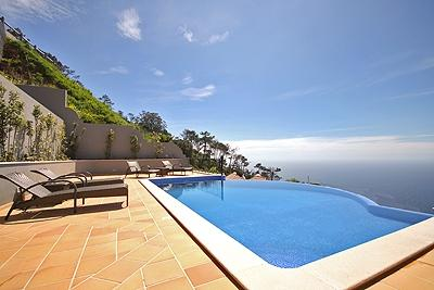 VILLA BOA VISTA WITH AN INFINITY POOL AND VIEWS OVER THE ATLANTIC AND FUNCHAL TO MATCH