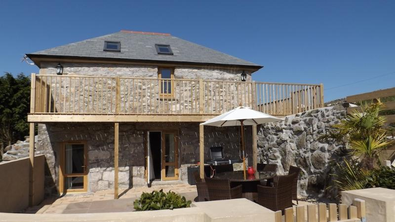 Come and stay in The Mowhay, a beautiful barn conversion