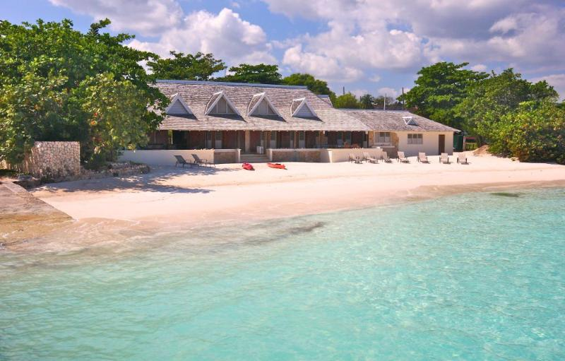 Rum Jetty - 6 Bedrooms, 5 Bathrooms with Private Beach & Garden