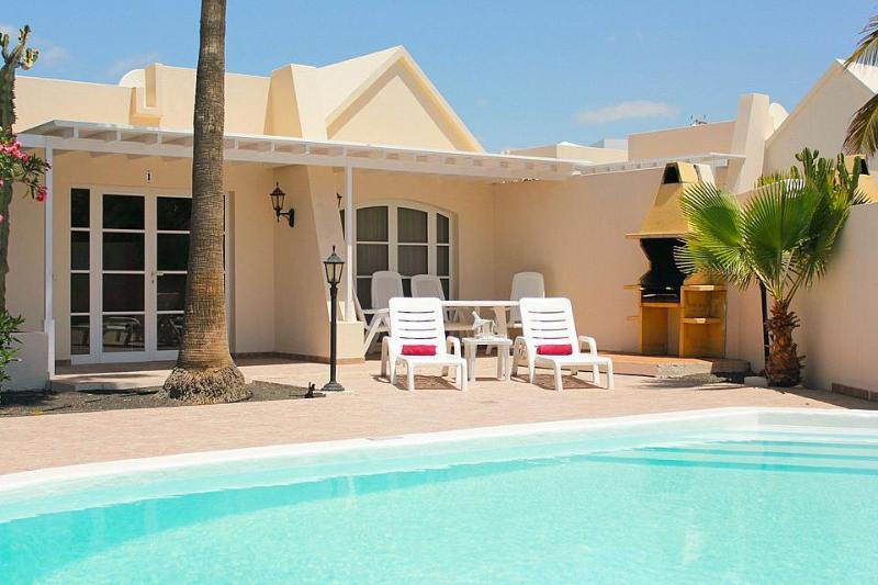 Delightful Villa with 3 bedrooms, 2 bathrooms and private pool