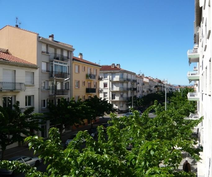 Boulevard Aristide Briand, view from the balcony.