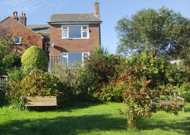 The cottage is set in an idyllic rural setting and has a beautiful gated garden.