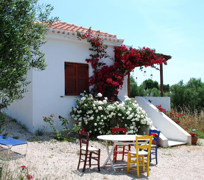 Villa Gaia 2 bedroom house accommodating 4 adults and 2 children
