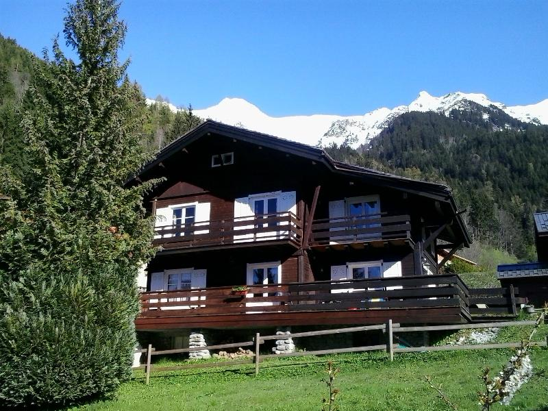 Fairytale chalet in glorious position.