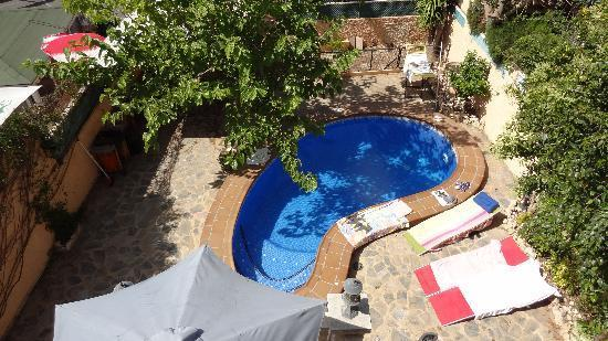 A Beautiful 4 bedroom villa with private Swimming Pool & Gardens.