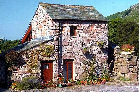 Quaint Stanley Ghyll Cottage - a delightful detached cottage for two