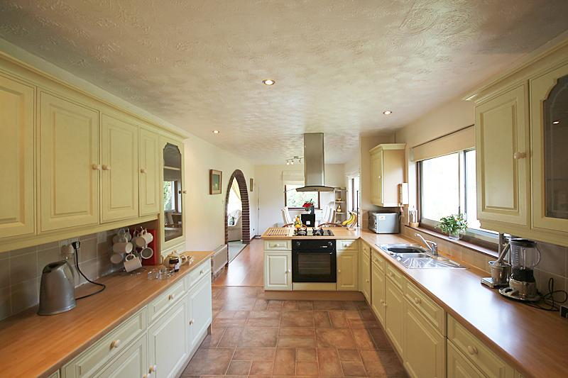 The well equipped kitchen - there is also a second smaller kitchen