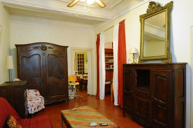 Spacious livingroom ,antique furnishings thurout,   seating  for 6+ guests