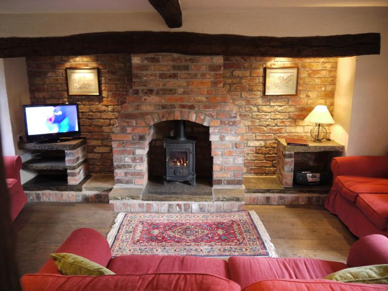 3 Bedroom Cottage Lounge