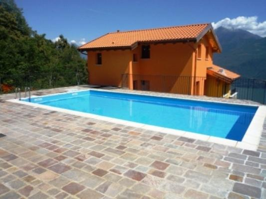 The outdoor residence swimming pool