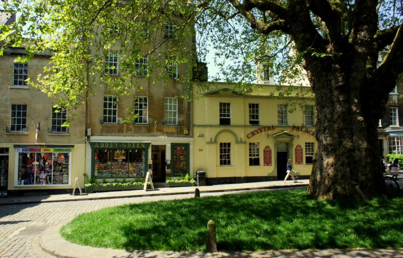 Mignon House (centre) in the peaceful and very central Abbey Green