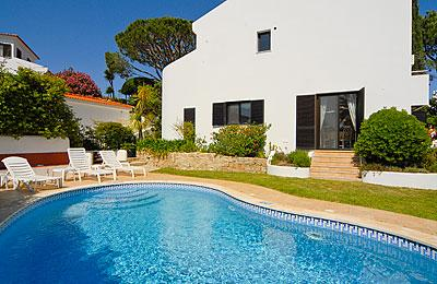 Attractive Family Holiday Villa With Private Pool