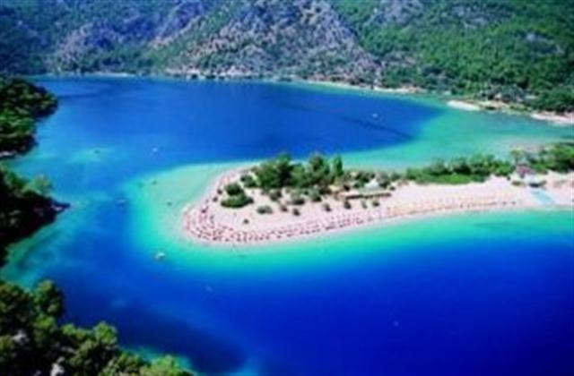 photogenic Olu Deniz beach & Blue Lagoon