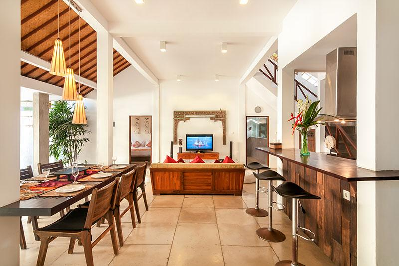 Dining, Living and fully equipped kitchen area