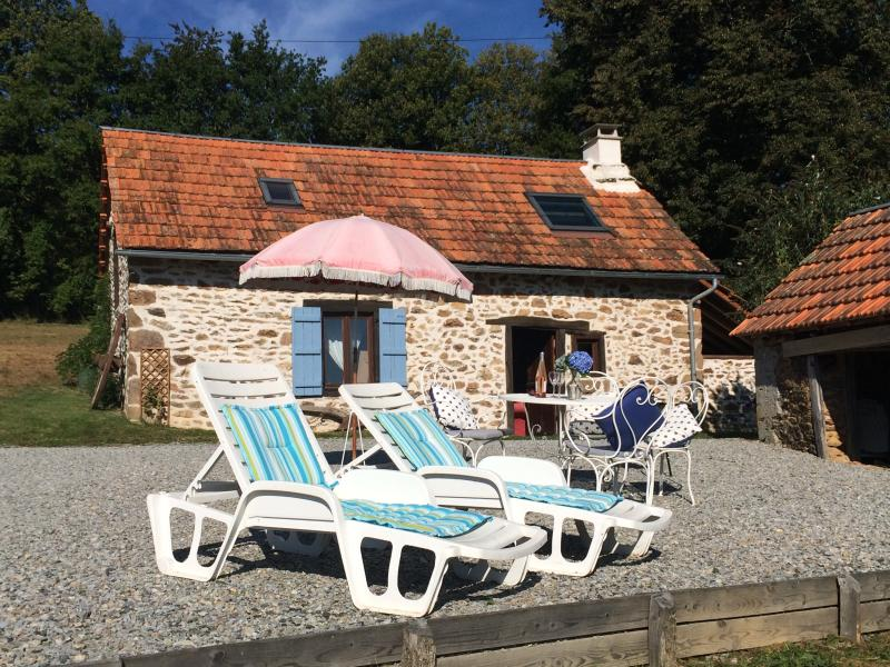Holiday cottage With outside seating area & Bbq.