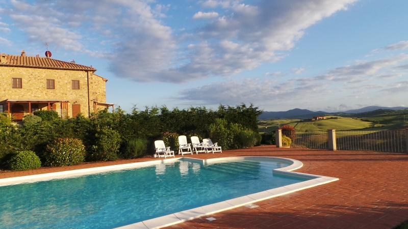 Tuscan Skies, beautiful panoramic view....and a pool!