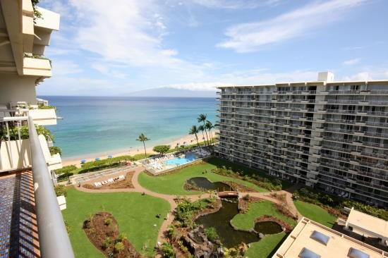 Spectacular views of the courtyard and the ocean