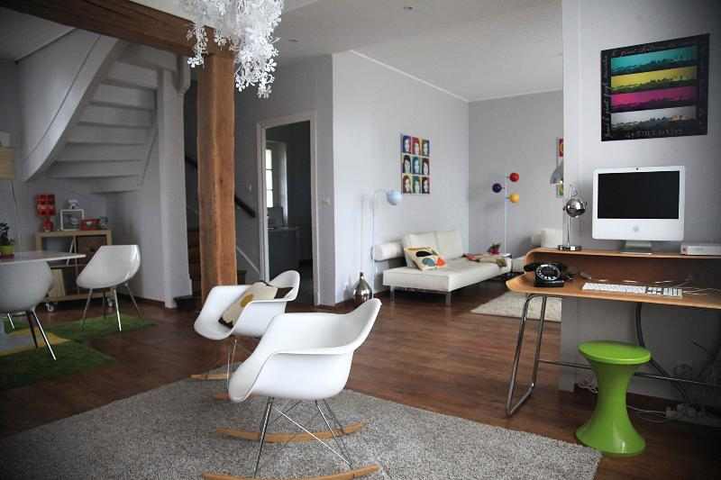 Terrasse_coucy_livingroom_ luxury-self catering accommodation - best gite france - picardy