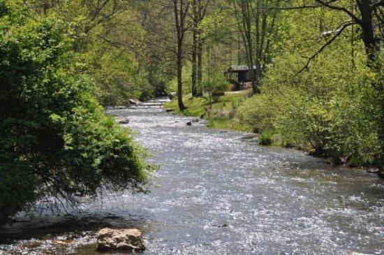 Paradise Valley Lodge on a Broad and  Bold Creek Just Outside of Bryson City, NC