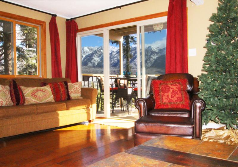 Slope Side at Purg + Wow Views + Ambiance! Views Photo seated on leather sofa