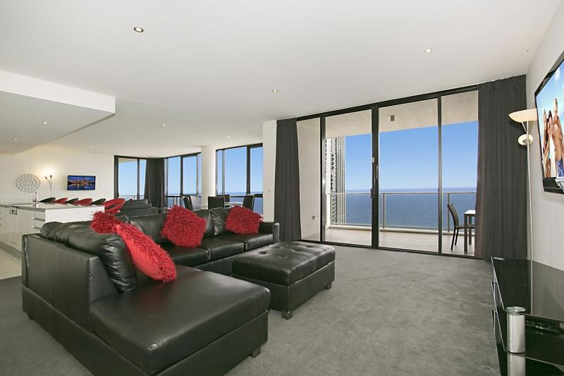 Circle sub Penthouse 1461 Gold Coast Holidays Adam Loadsman Gold Coast holiday rentals in Surfers 01