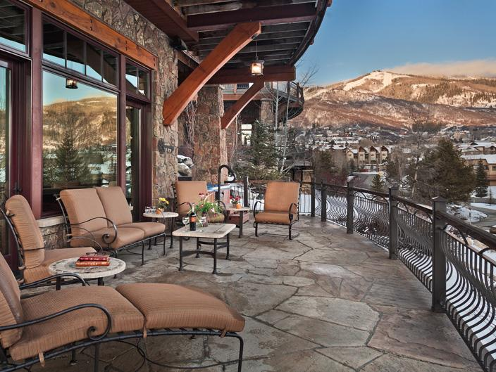 Spectacular mountain living