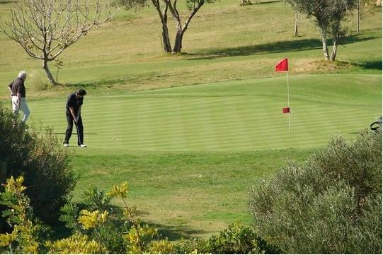 Colina Verde Golf, Leisure & Sports Resort is 200 metres from our house. Ideal for winter holidays.