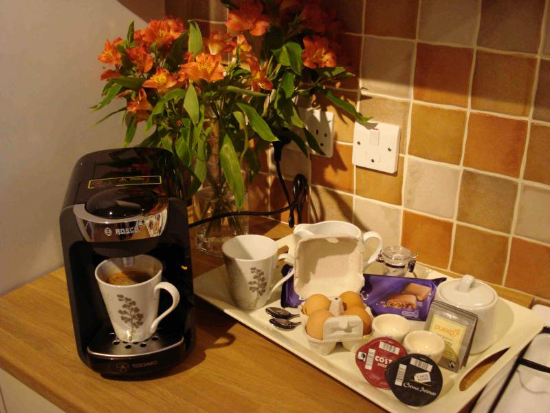 Treat yourself to freshly brewed hot drinks; coffee (including Costa), tea, hot chocolate. (Tassimo)