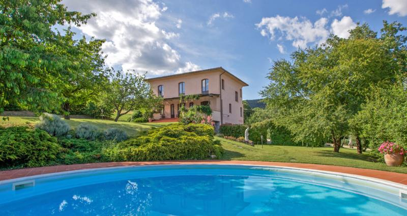Villa L'Arco: veranda, swimming pool with whirlpool