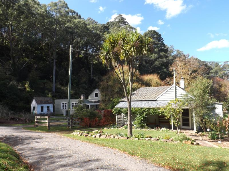 Bowral Cottage & The Barn