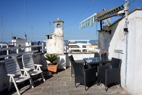 roof terrace- views to sea, park and historical centre